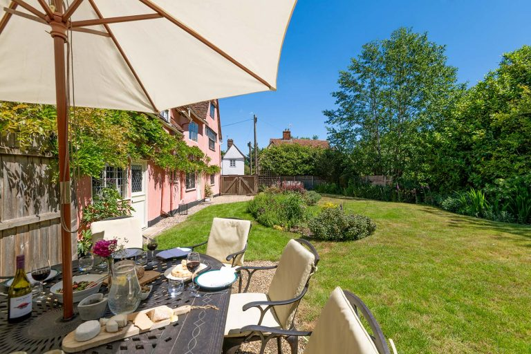 Holiday cottage with outside space in Suffolk | Cressland